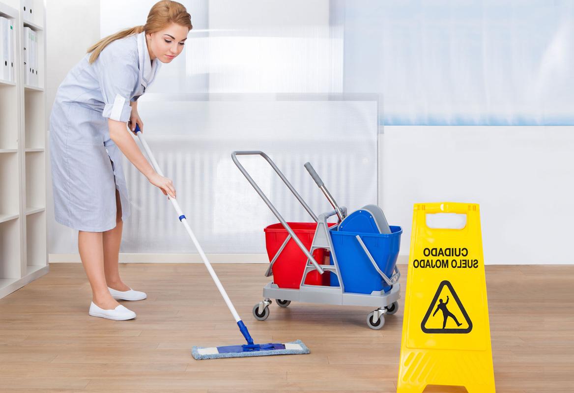 Tareas de aseo básico para oficinas: Limpieza Semanal