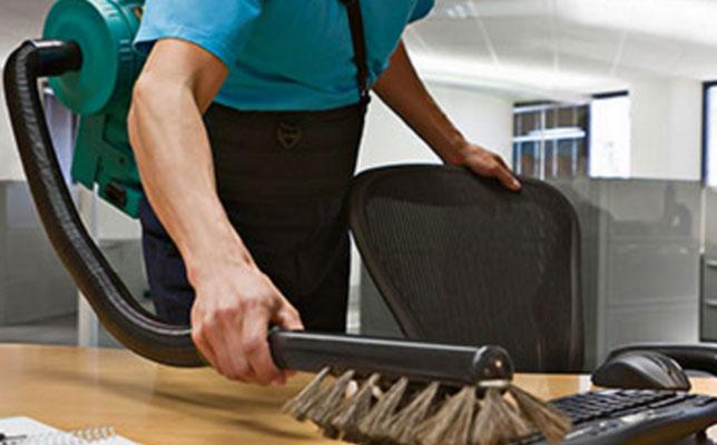 Tipos de muebles en una oficina y cómo limpiarlos