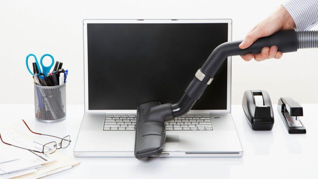 Cómo evitar daños al limpiar monitores y pantallas